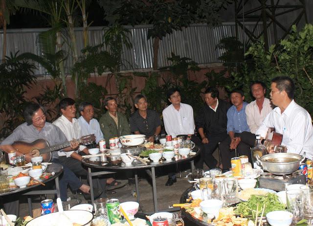 Ca đoàn họp mặt đầu năm 2012