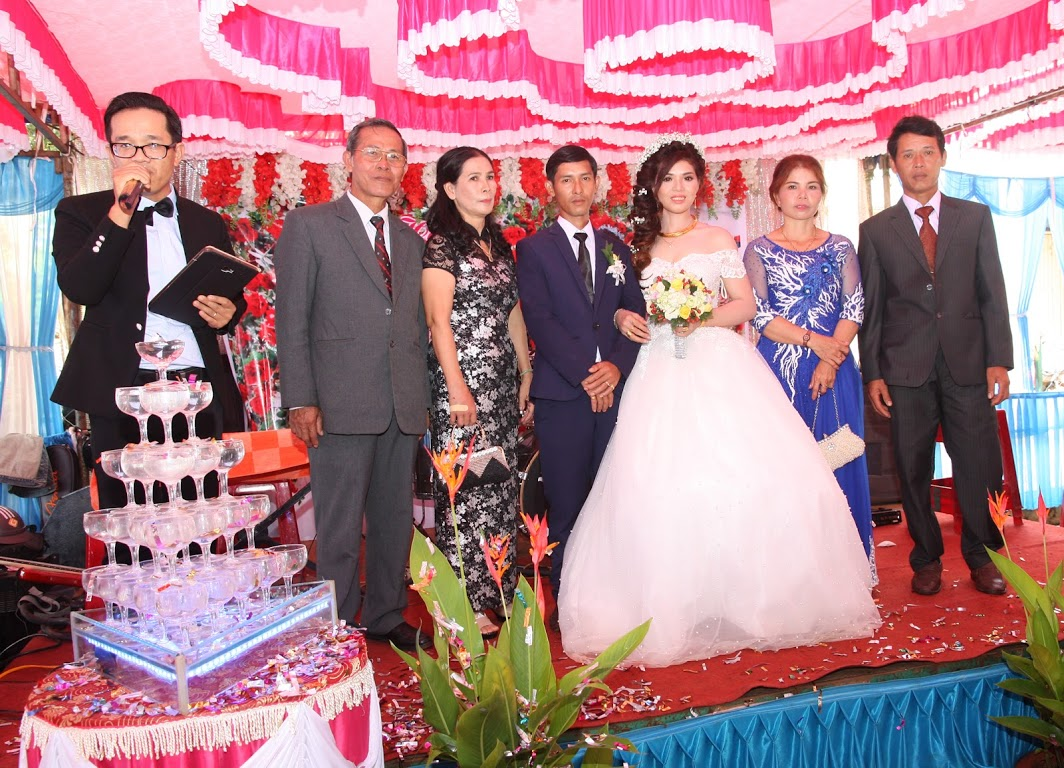 Đám cưới đường xa