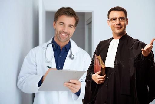 Chuyện cười: Đốc-tờ và Luật sư