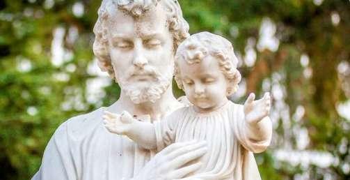 Vì sao các bệnh nhân dịch hạch xin Thánh Giuse cầu bàu?