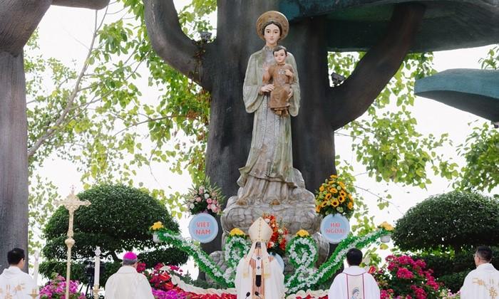 Đại lễ Đức Mẹ Lên Trời tại La Vang 2021