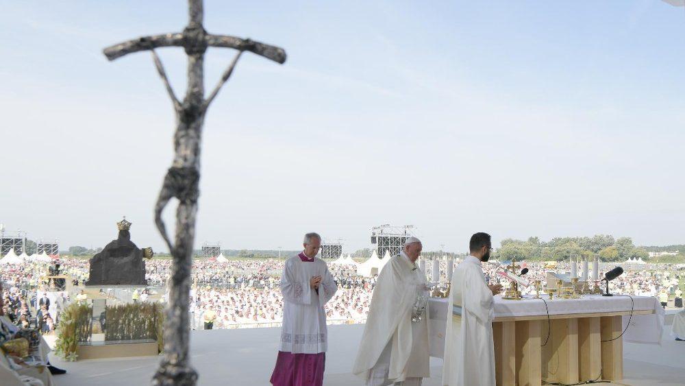 ĐTC cử hành Thánh lễ tại Đền thánh Šaštin